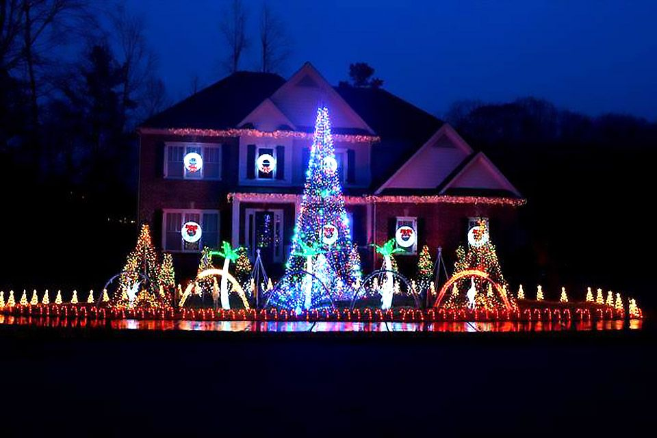 Atlanta Homes with Spectacular Christmas Light Displays