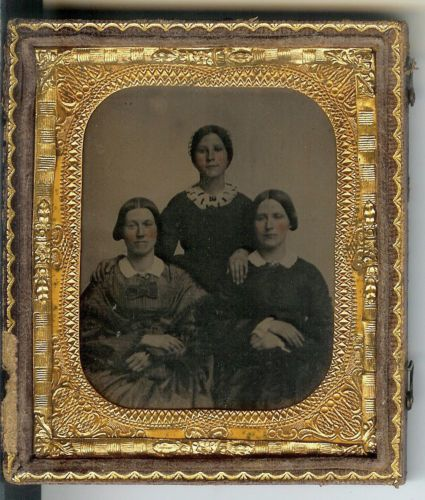 Sixth-1-6th-Plate-Ambrotype-in-Half-Case-of-Three-Sisters-Tinted-Cheeks