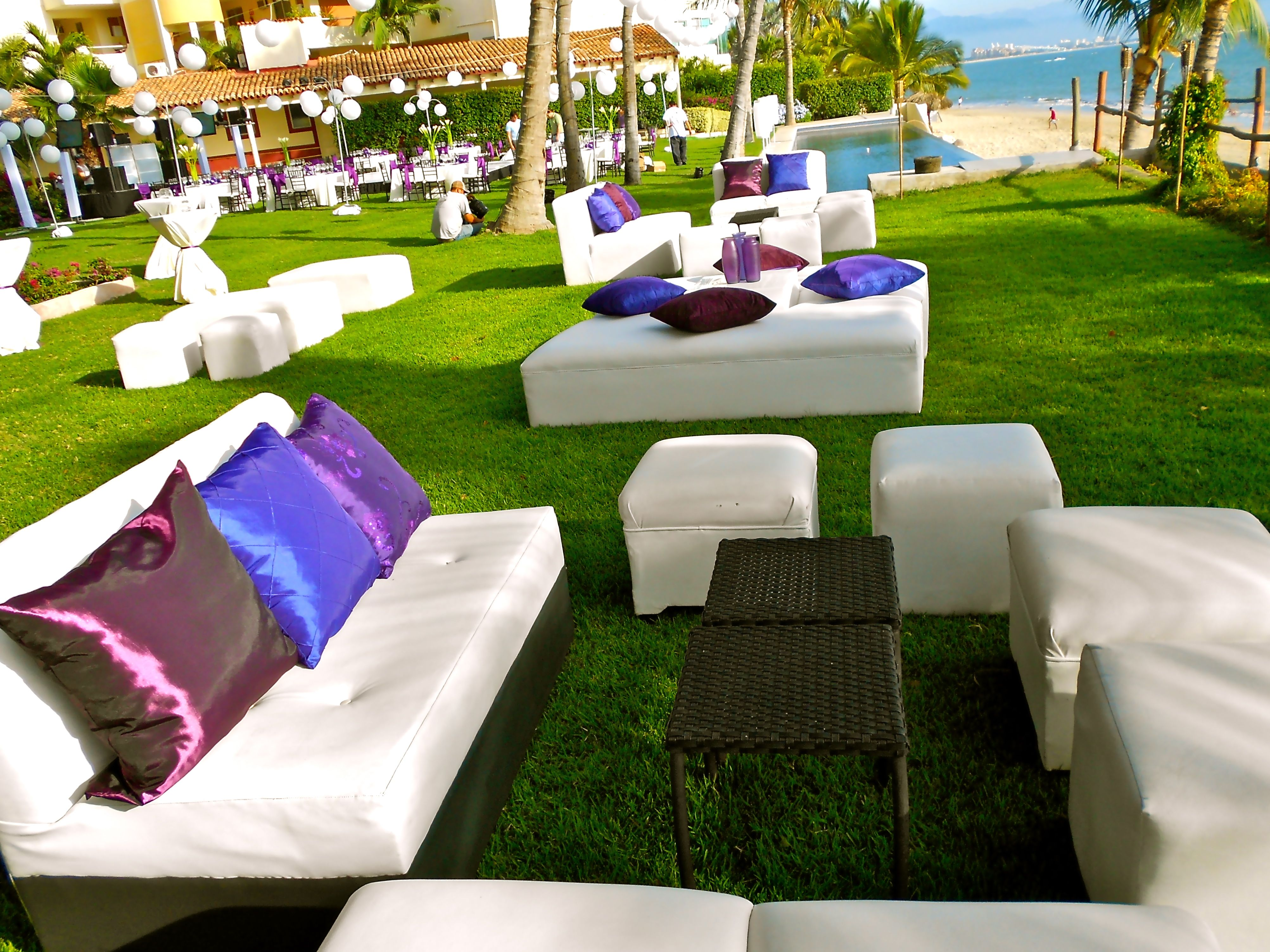 Maybe a lounge area for your tapas inspired wedding in Martoca ...