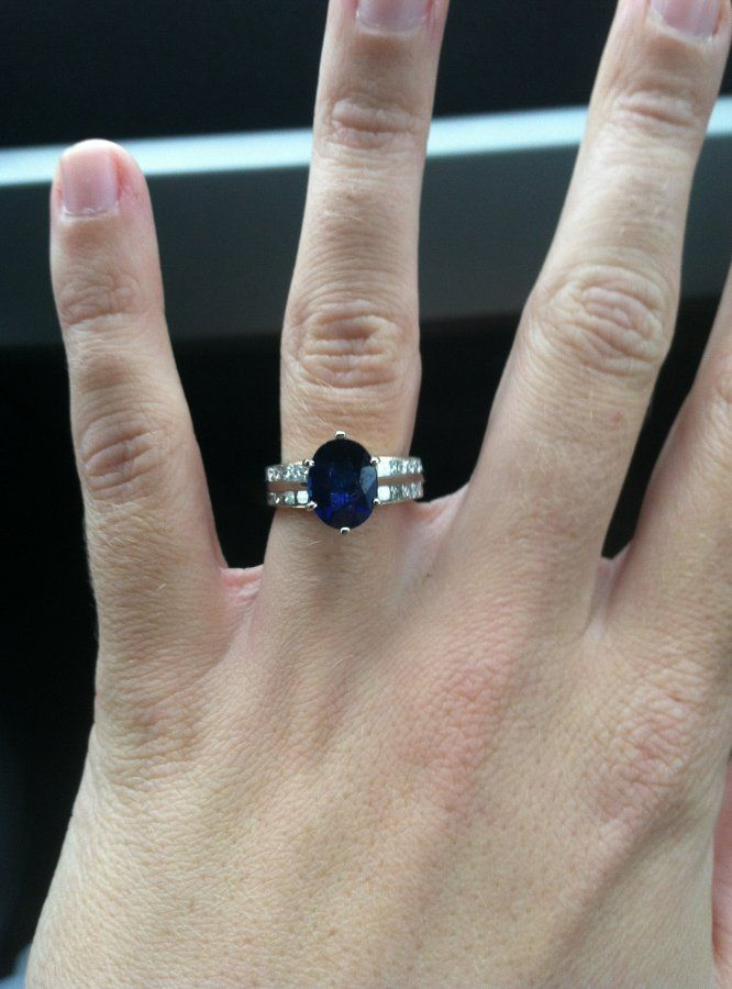 diamond sapphire ring dark blue gold cocktail carat
