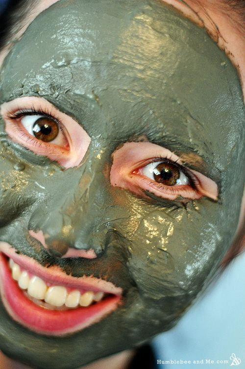 Awesome homemade facial mask homemade facial mask homemade i love giving myself facials they do all sorts of great things for my skin and i look like a martian with green goo spread all over my face major bonus solutioingenieria Images