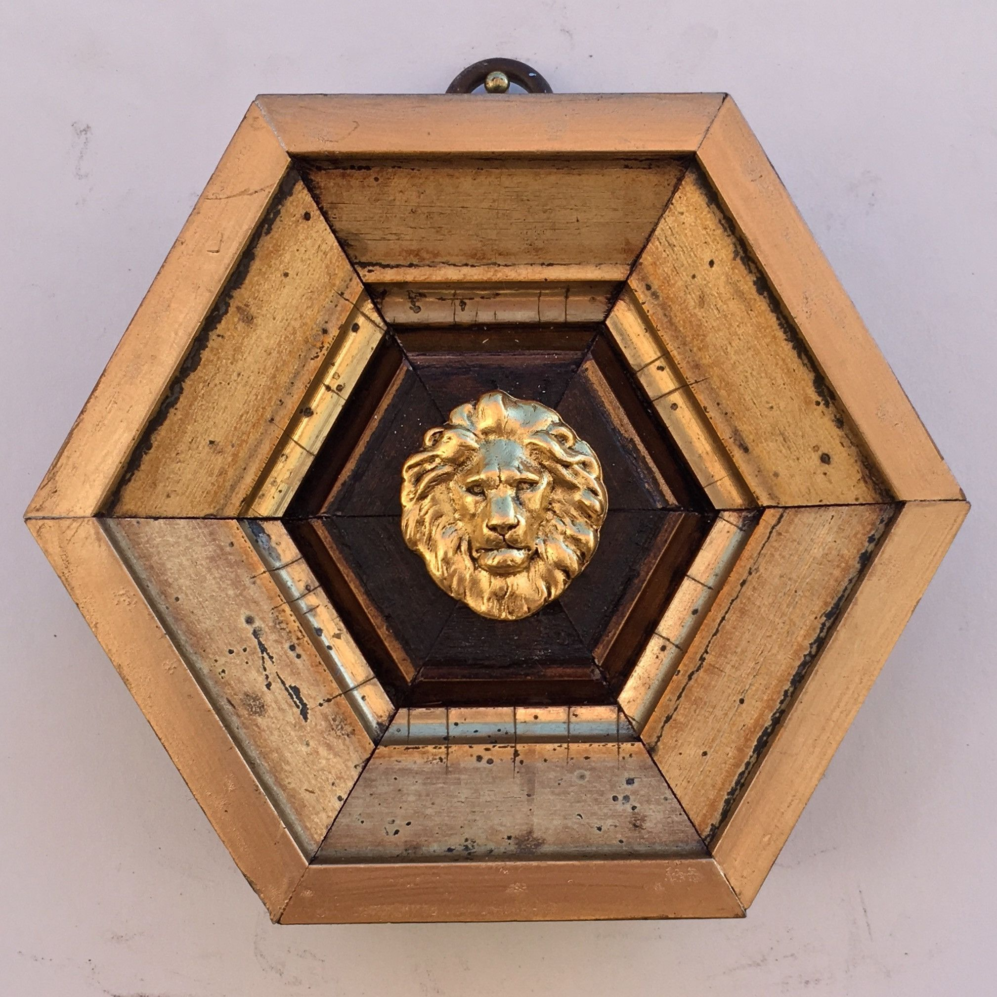 """Strong Gilt and Wooden Frame with Lion (4.75"""" wide)"""