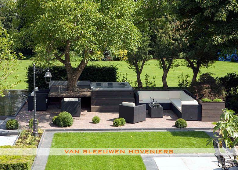 Tuin met jacuzzi ontwerp aanleg door van sleeuwen for Tuinontwerp veghel