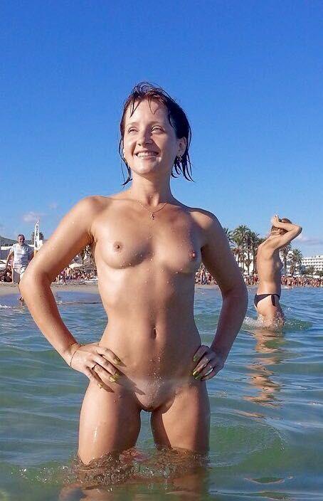 small lesbian shower