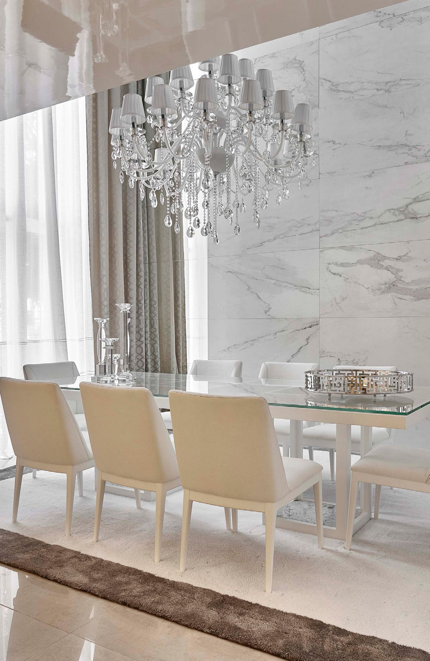 Luxury Pendants Crystals Are Synonymous With Luxuryget A Amazing Crystal Dining Room Chandeliers Inspiration
