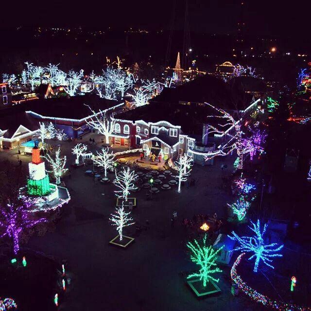 Kennywood Christmas.Kennywood Holiday Lights Adventures Traveling