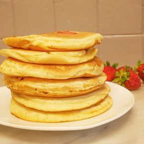 Pancakes à la compote | Recette | Recette pancakes, Compote de pomme, Pancakes vanille