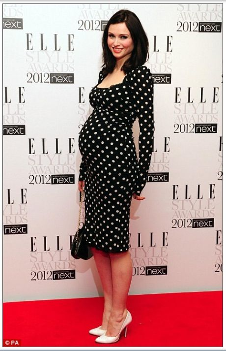Sophie Ellis Bextor in polka dot Dolce   Gabbana at the Elle Style Awards  rocking the maternity styles fb568f39819