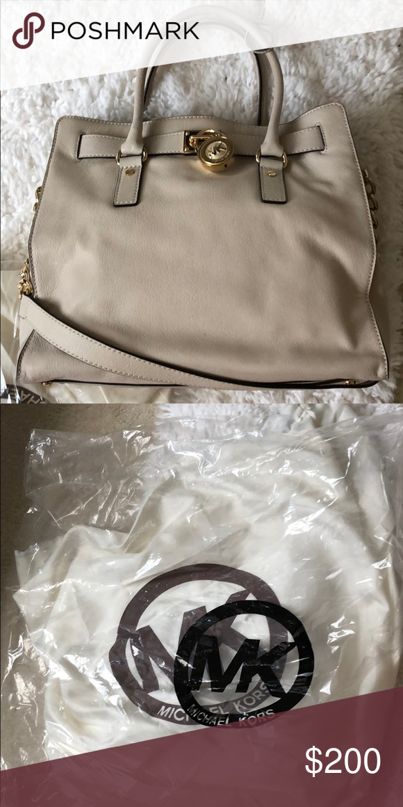 665ece93ddde Michael Kors handbag Cream colored Still very good condition Worn only a  couple times Dust bag and plastic bag included Michael Kors Bags Totes