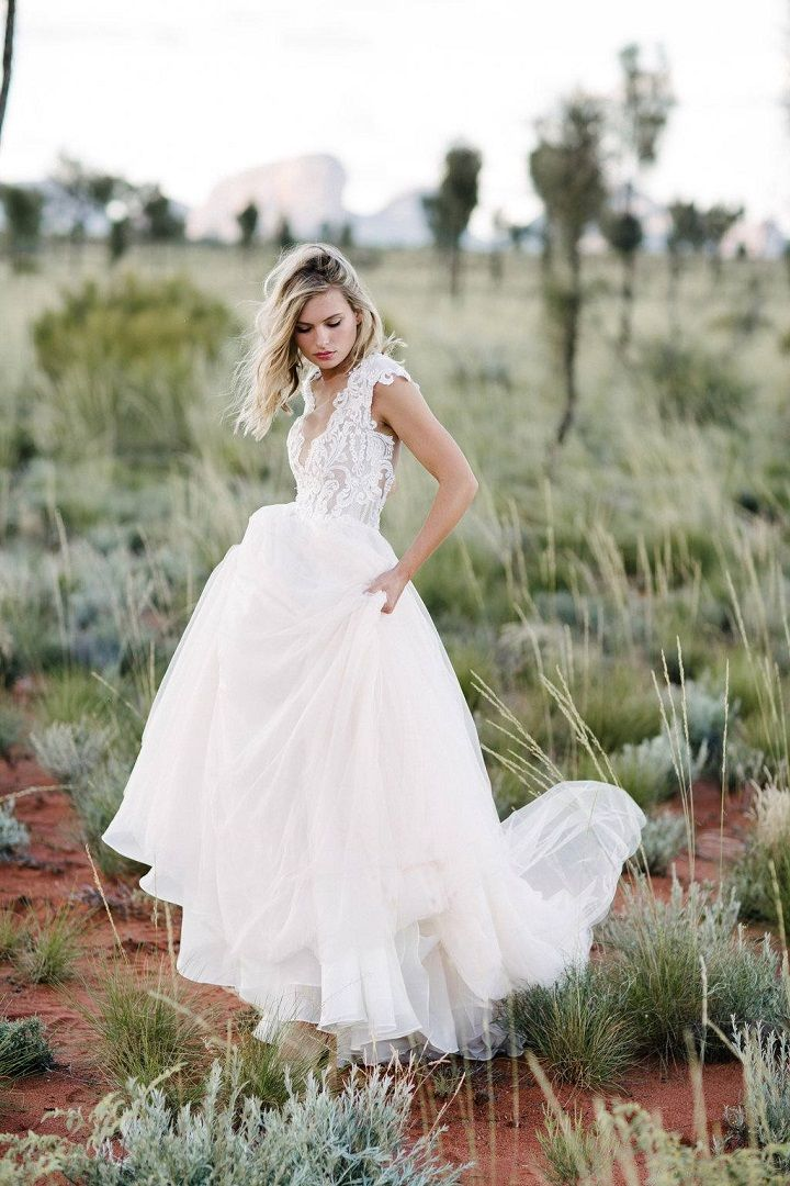 Gorgeous wedding dress for boho bride #bohoweddinggown #bohobride #bohemianweddingdress #bohemian #weddinggown
