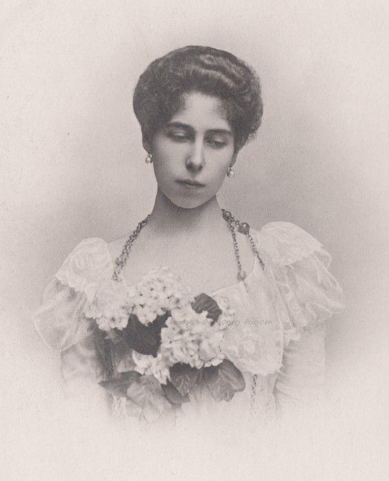carolathhabsburg:  Grand Duchess Victoria Melita of Hesse, neé Princess of Edinburgh and later, Grand Duchess of Russia. Early 1900s