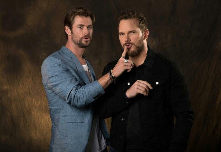 Chris Hemsworth and Chris Pratt.   Chris hemsworth, Hemsworth, Chris  hemsworth thor