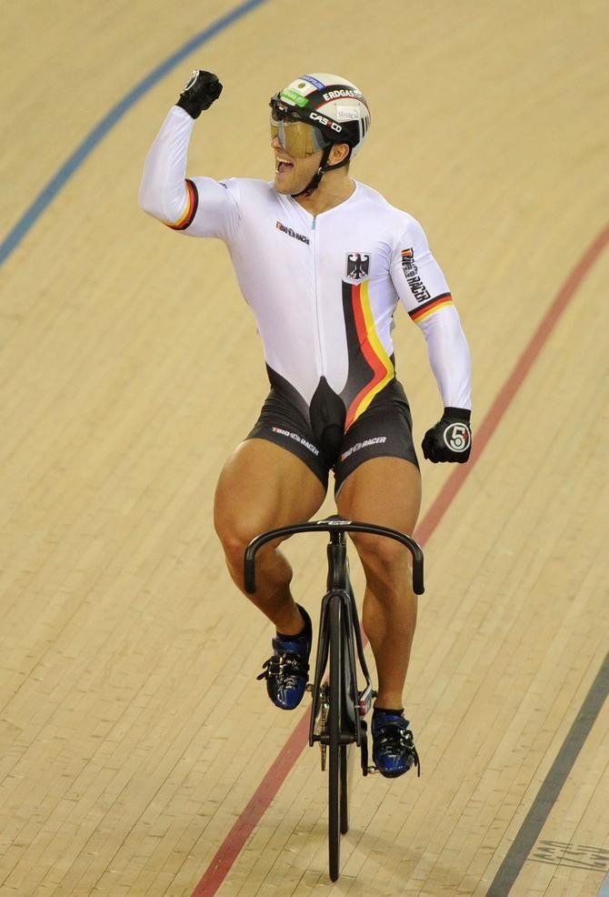 Sprint cyclist legs