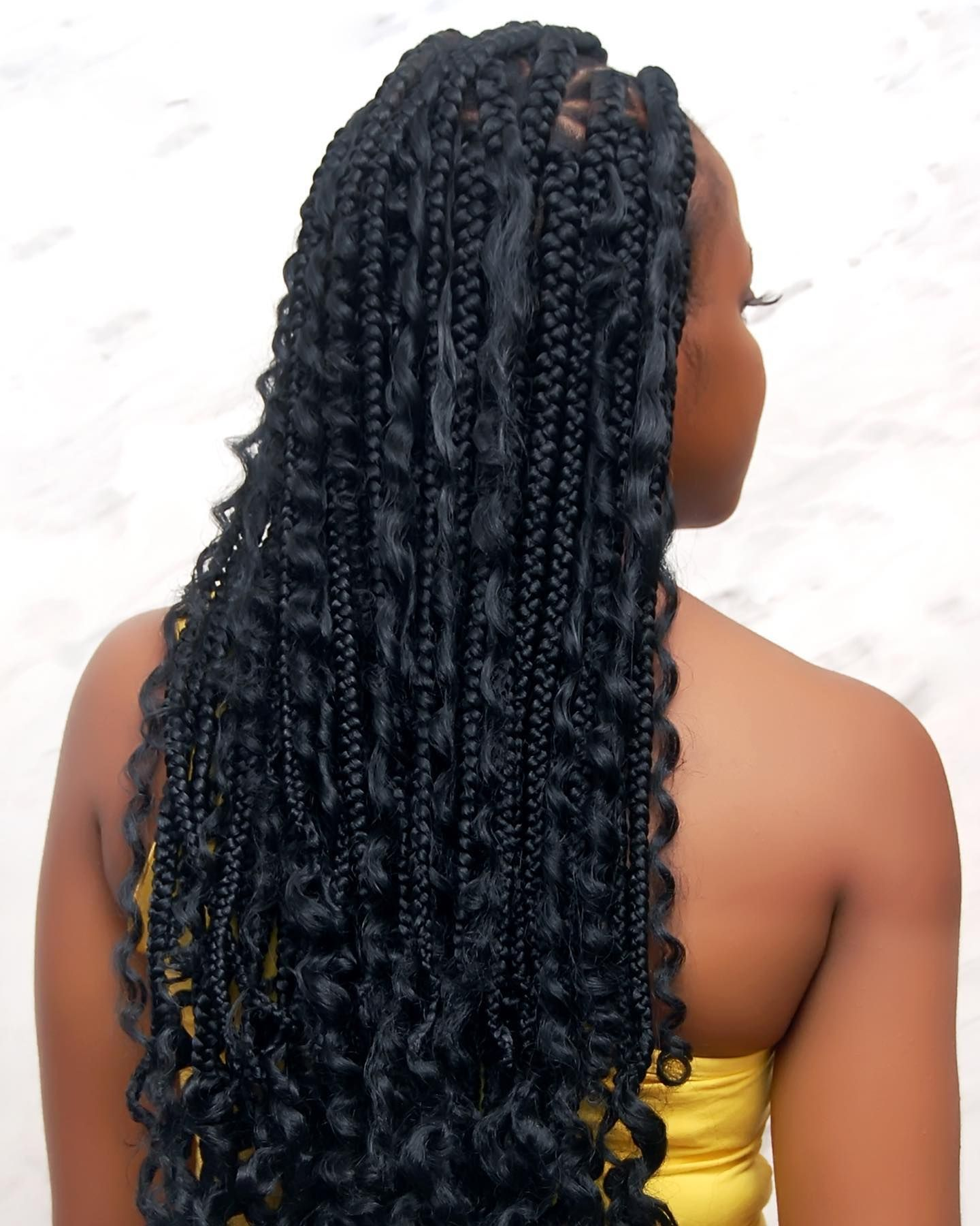 Isn T It Beautiful Lovely Box Braids And Curly Hair Mix Get Inspired By This Great Hairstyle Nonyehairbraidin Curly Hair Styles Box Braids Great Hairstyles