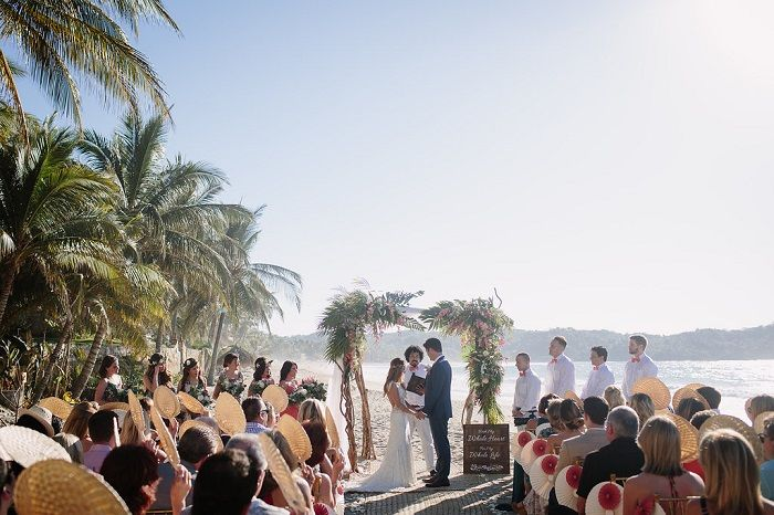 Wedding Ceremony on the beach | fabmood.com #beachceremony