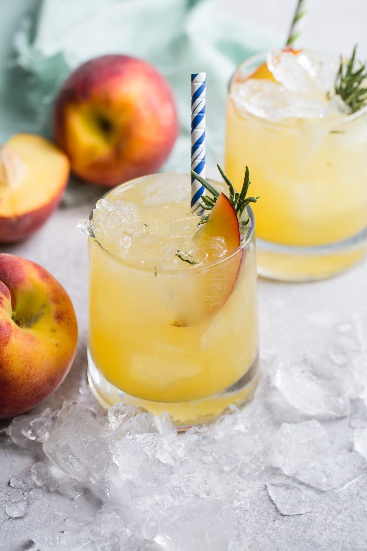 Bourbon Peach Smash - Foodness Gracious