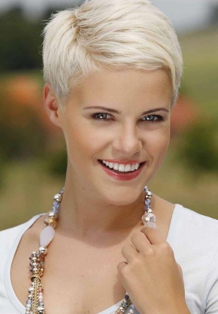 1001 variantes de coupe courte blonde pour rafra chir votre look pinterest. Black Bedroom Furniture Sets. Home Design Ideas