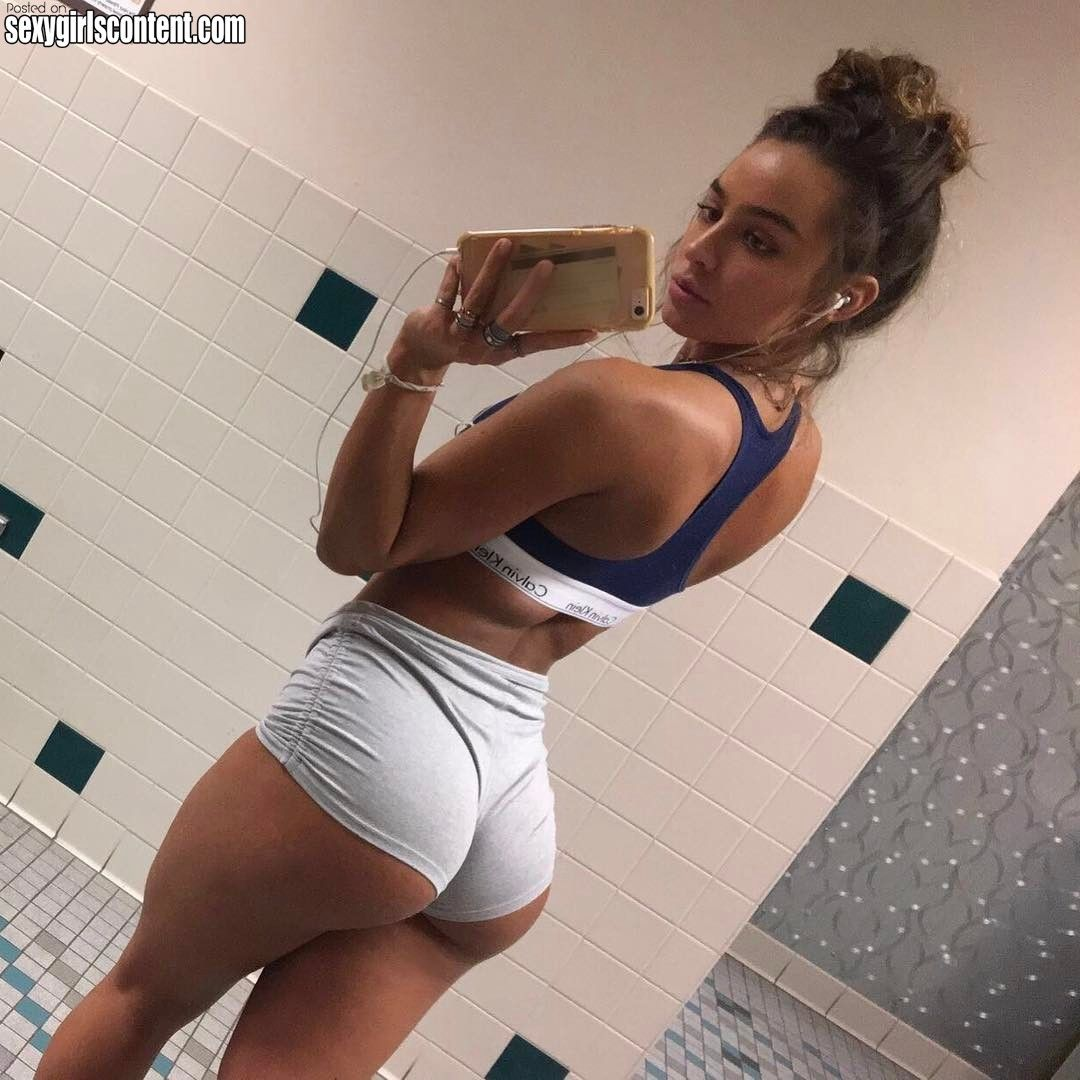11 sommer ray bootylicious instagram girl mirror selfie tight shorts