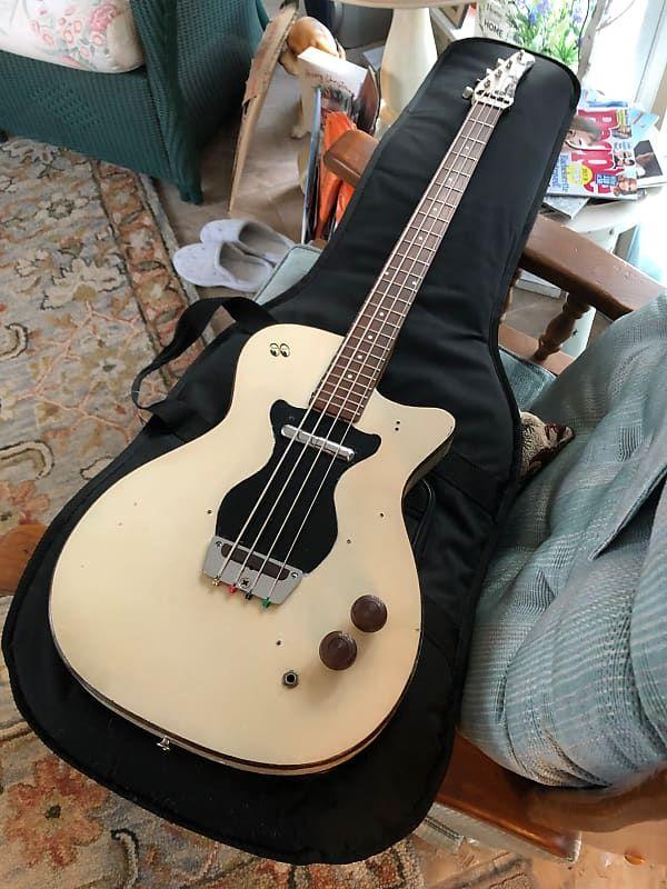 Vintage 1964 Silvertone Danelectro 1440L Bass Guitar, White & Black #musicalinstruments
