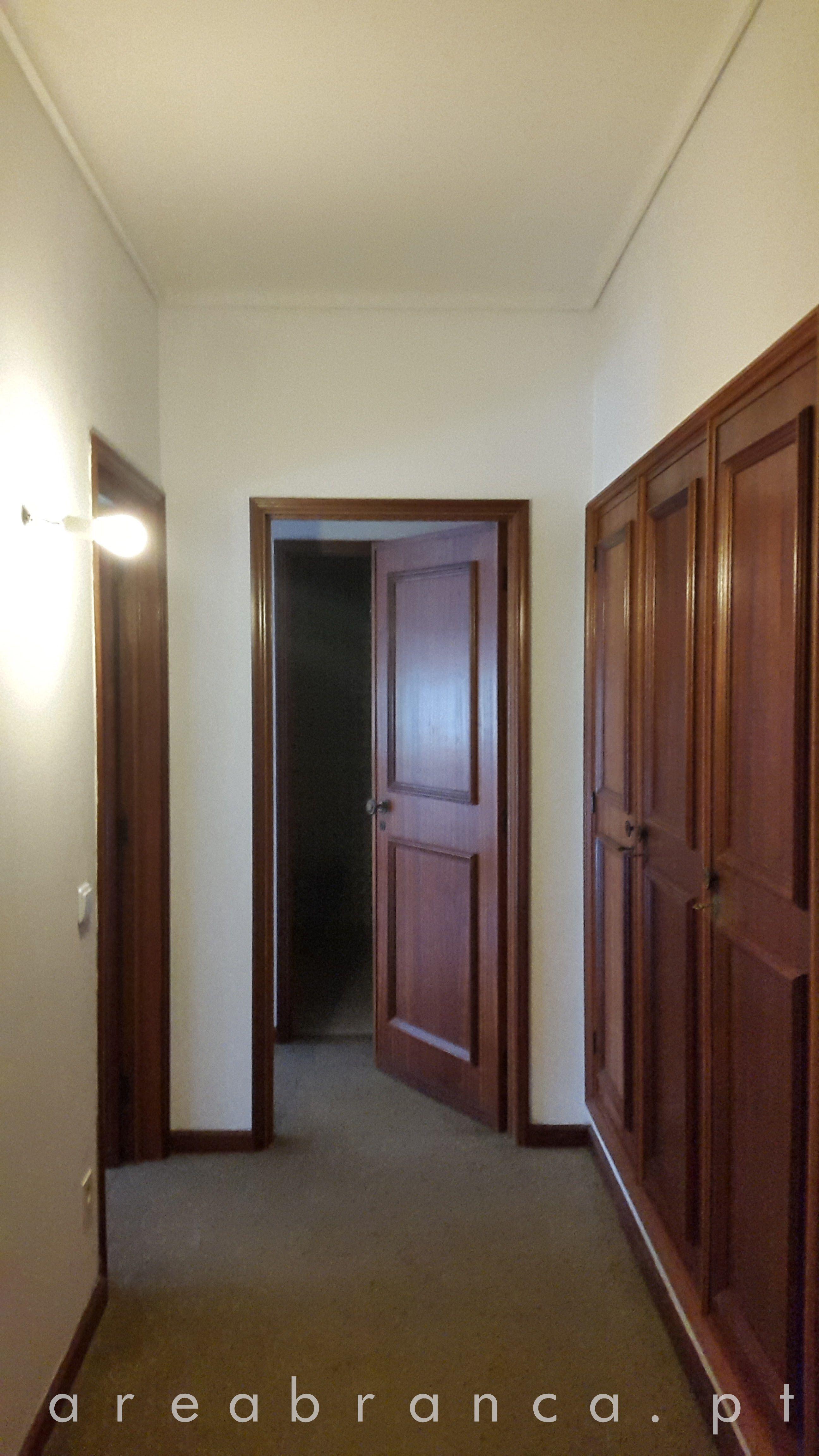 Hall de Quartos - Antes #areabranca #decoraçãointeriores #designinteriores #interiordesign #hall