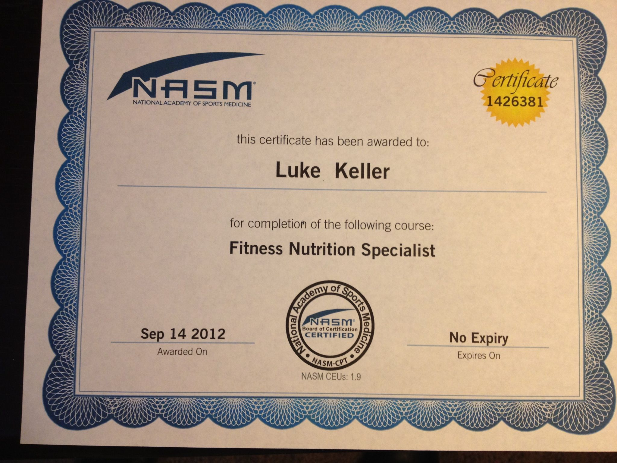 Who Has Two Thumbs Is A Nasm Certified Personal Trainer And Just