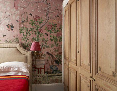 bedroom-wallpaper-intricate