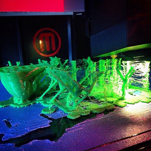 Incredible #fossil made in Morphi by artist+ #STEAM teacher @Myfullnameisok, printed w/ @makerbot