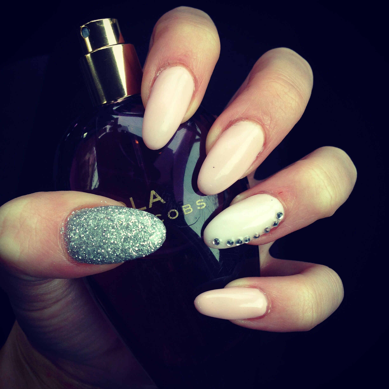 Round Tip Nails- pink, light pink, silver glitter ...