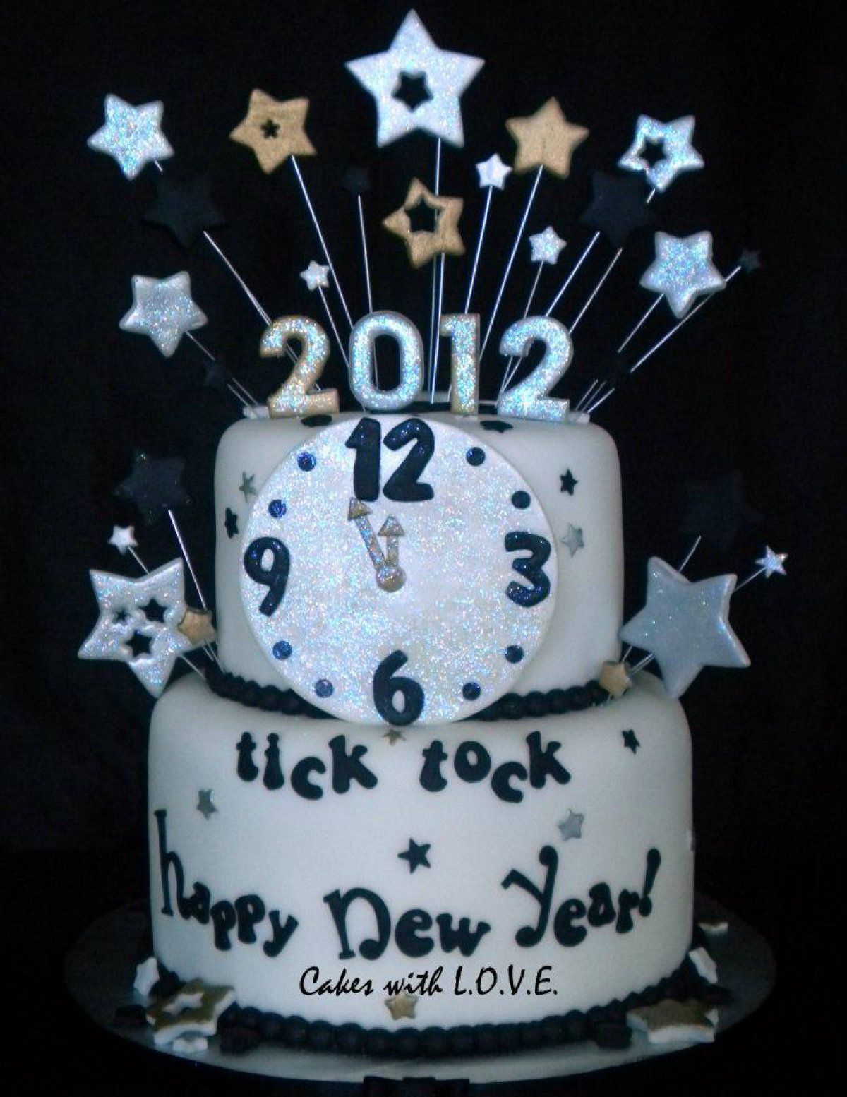 Tic Toc Happy New Year Cake