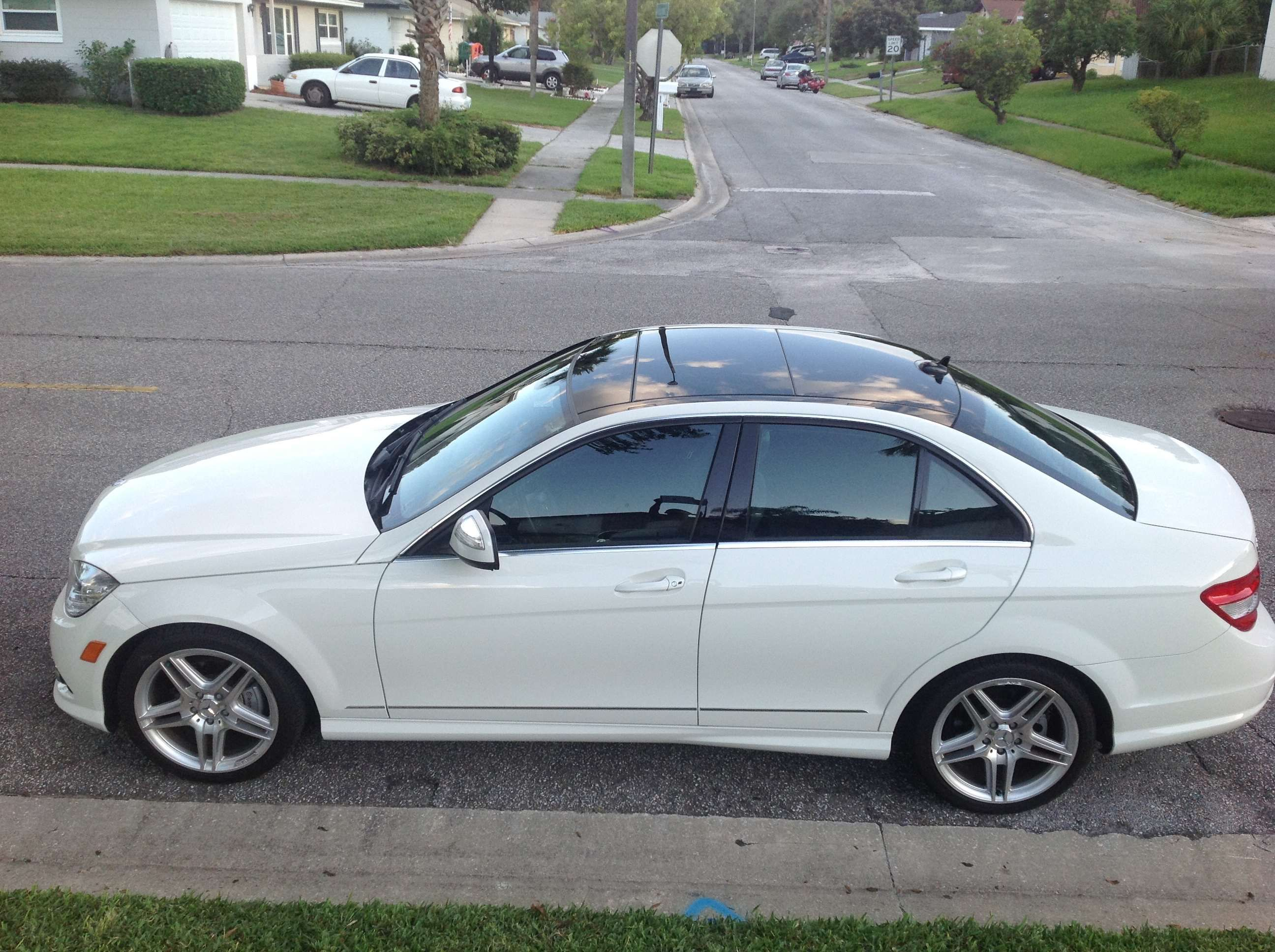small resolution of make mercedes benz model c300 year 2008 body style luxury cars