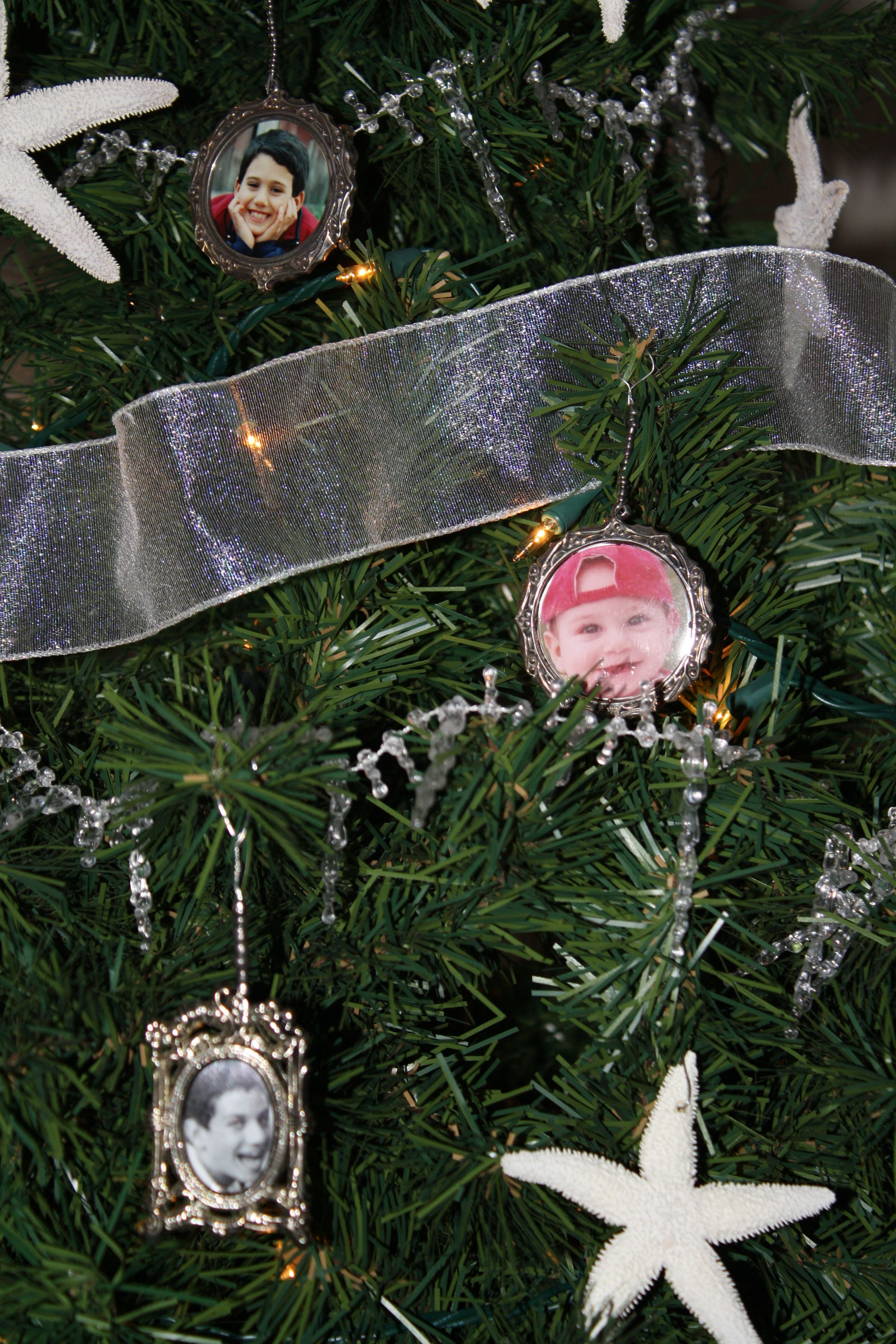 Christmas Tree Decorations, Using Favorite Photos Displaying In Silver Frames