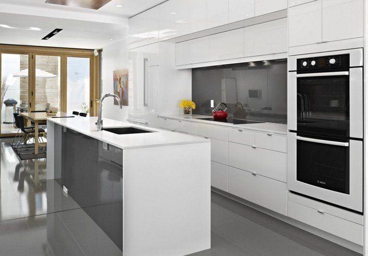 Plan de travail cuisine en blanc- quartz ou Corian? | Favours