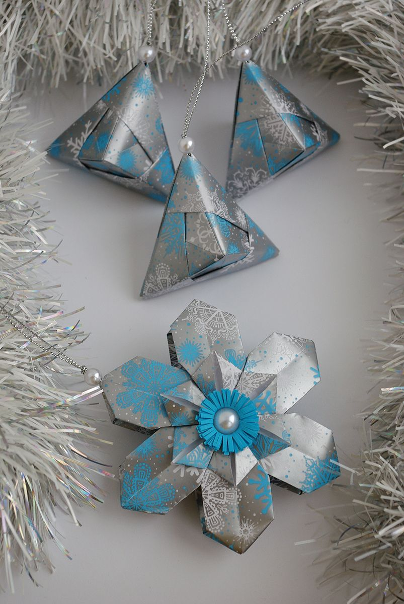 Christmas Ornaments Origami By Waveoflight Etsy Com Handmade Christmas Ornaments Paper Decorations New Years Decorations