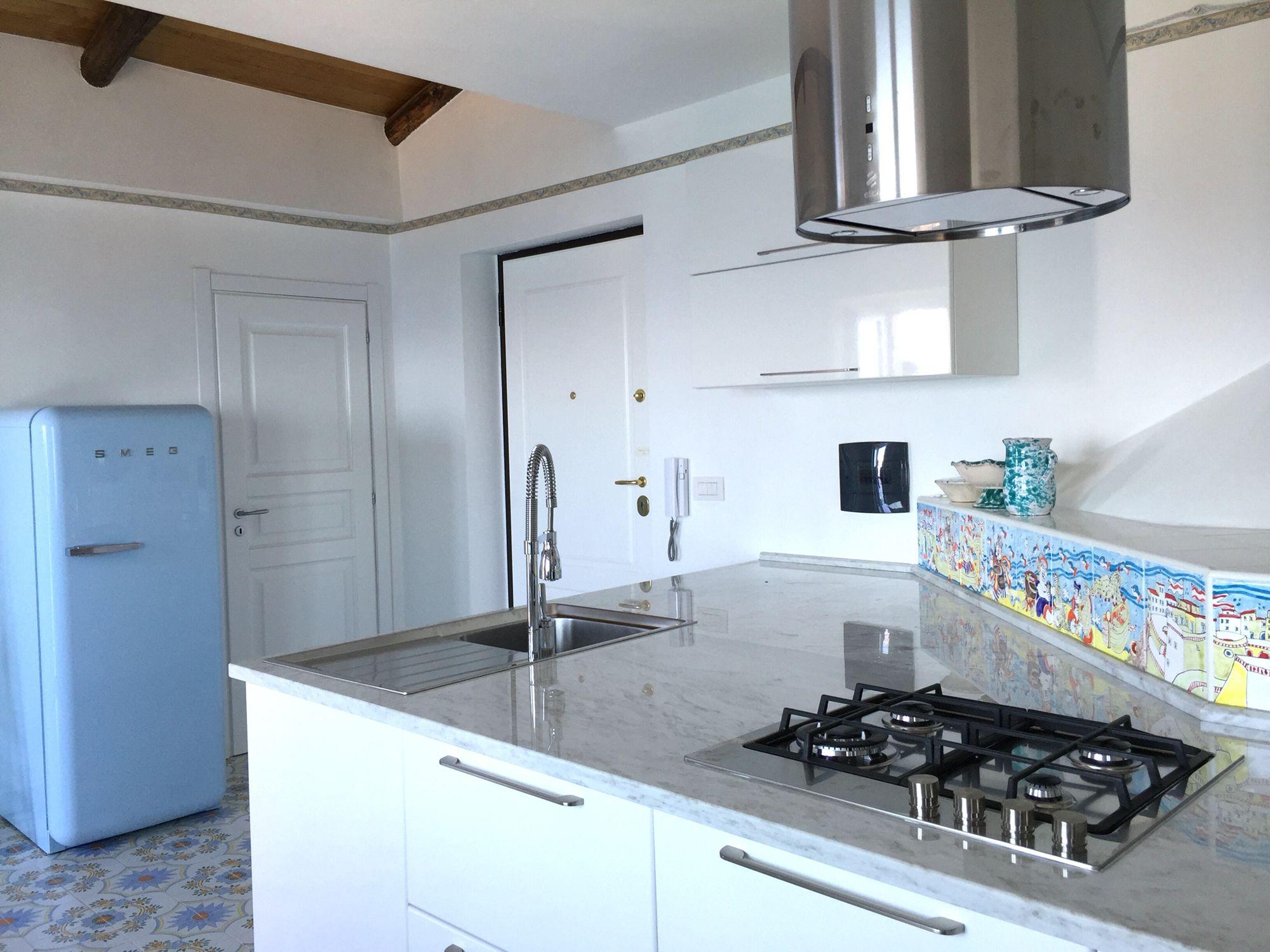 Smeg azzurro - kitchen accomplished Palazzo Pizzo Dependance delle ...