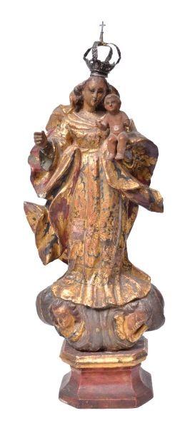 NOSSA SENHORA DO ROSÁRIO. Magnífica imagem em madeira policromada. Alt.: 39,5cm. Pernambuco-Séc.XIX. Acompanha coroa de prata. Base R$1.500,00.