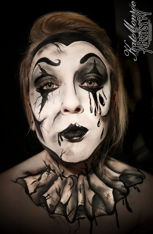 Pierrot Clown Face Paint Body Art Halloween Creepy Scary Clown