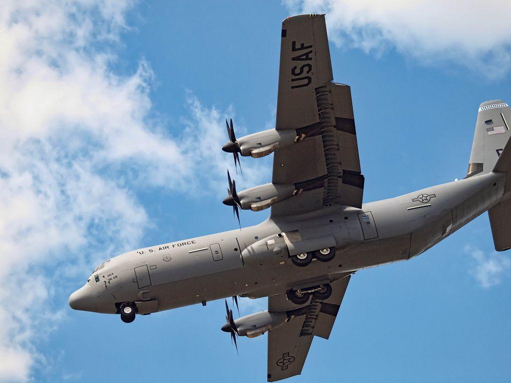 The new C130J Super Hercules demonstrates its short landing capability at Farnborough