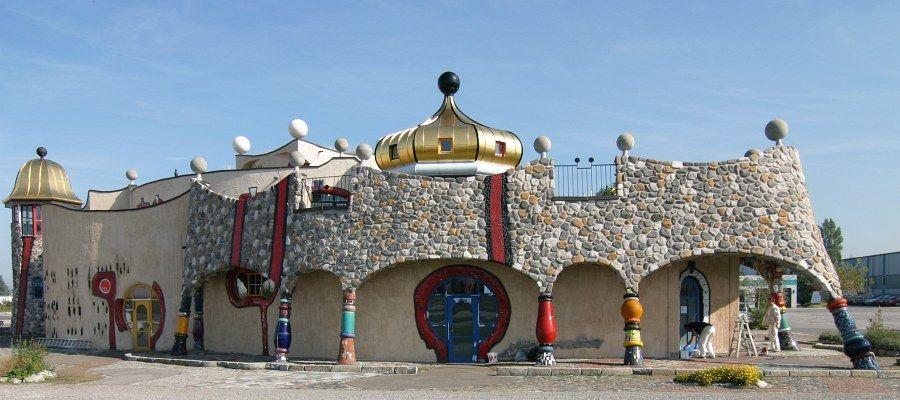 Markthalle altenrhein ein 39 hundertwasserhaus 39 in der for Hundertwasser architektur