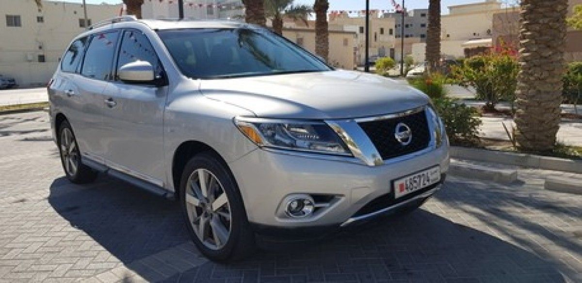 Nissan Pathfinder FWD Nissan pathfinder, Cheap cars for