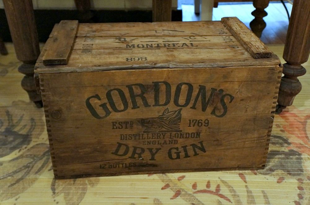 Gordon's Gin vintage crate