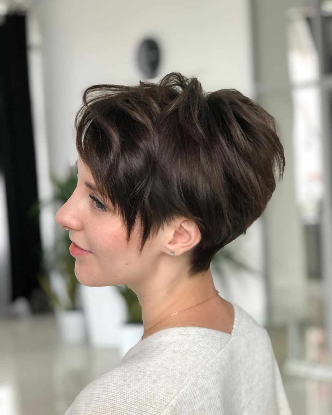 40 Latest Short Hairstyles For Winter 2020 Pixie Haircut Short
