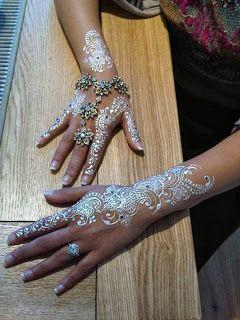 Henna Love This On Dark Skin Tattoo Love Henna Tattoos