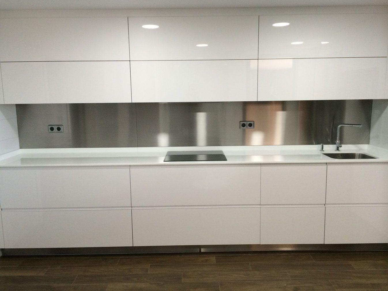 Fabricamos planchas laminas paneles y chapas de acero for Paneles acrilicos para frentes de cocina