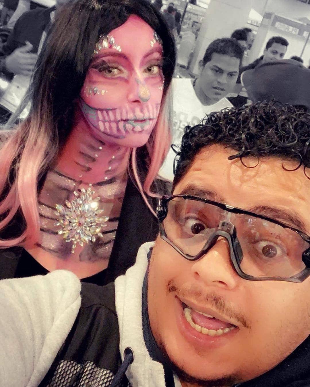 في احد المعارض وتصوير مع ال Cosplay Jokergya Q8 Youtuber Vlogger يوتيوب يوتيوبر ف Halloween Face Makeup Halloween Face Face Makeup