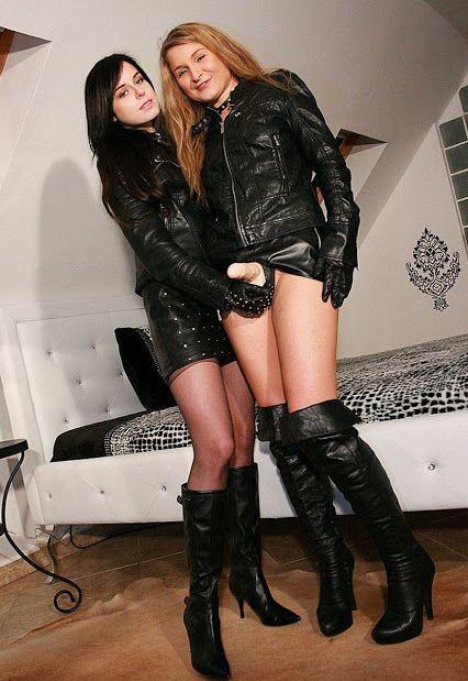 tranny-lesbian-movie-kardashian-sisters-naked-pic