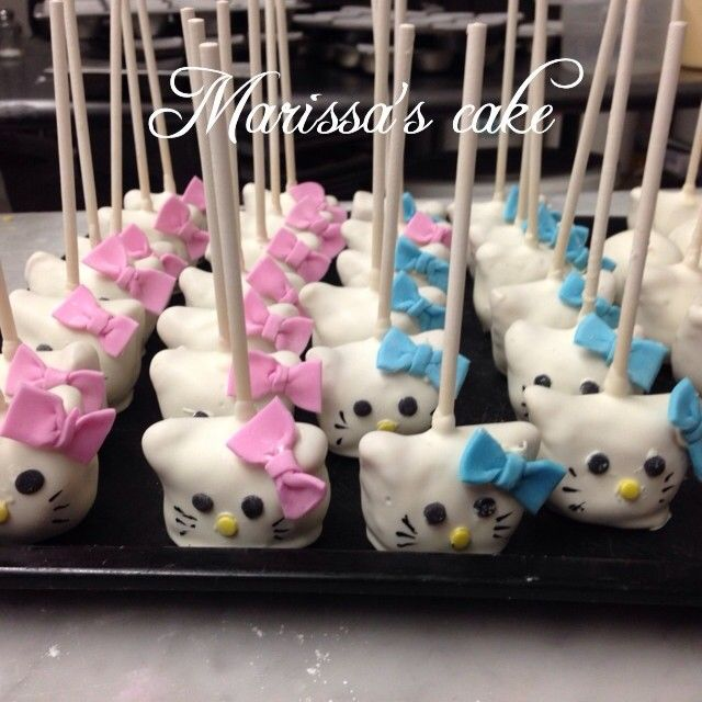 Hello kitty birthday cakepops Visit us Facebookcommarissascake