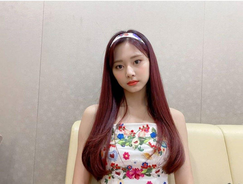 Pin by SanSan on Jihyo × Nayeon - Twice   Nayeon, Kpop girl groups, Kpop girls