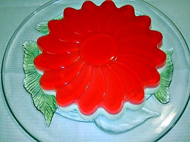Tarta De Queso Light Con Gelatina De Fresa Gelatina De Fresa Gelatinas Y Tarta De Fresas Recetas