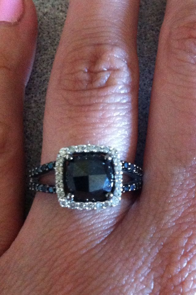 Black diamond engagement ring!!! Want my black diamond reset like this. So pretty!