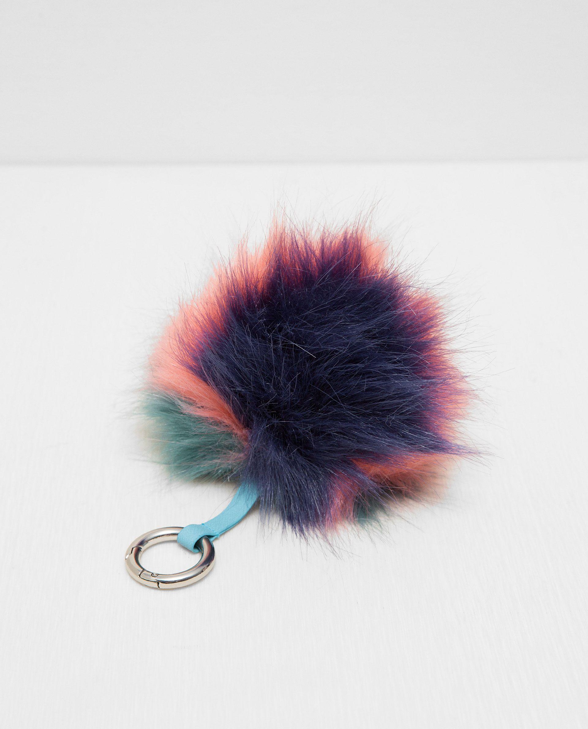 Image De PORTECLÉS EN FAUSSE FOURRURE TYPE POMPON De Zara - Pompon porte clé
